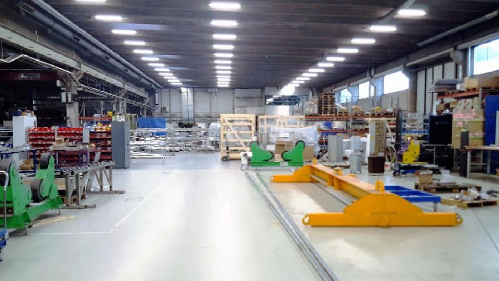 Teollisuushallin valaistus – ota huomioon nämä seikat, kun valaistuksen uusiminen tulee ajankohtaiseksi
