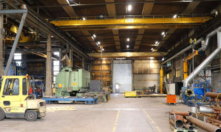 Teollisuushallin valaistus vaikuttaa moneen asiaan